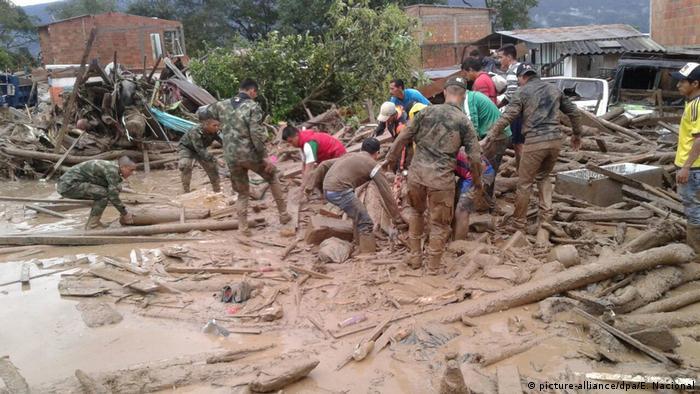 Kolumbien Mehr als 90 Tote bei Überschwemmungen