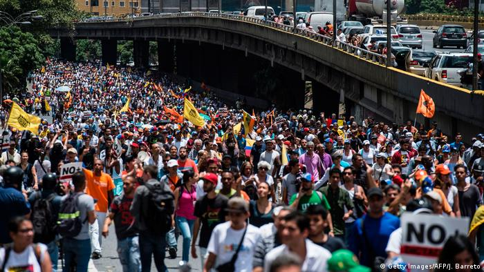 Venezuela Caracas Anti Regierungsproteste (Getty Images/AFP/J. Barreto)