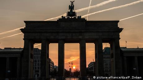 DW: Αισιοδοξία στο Βερολίνο ενόψει του Eurogroup