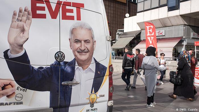Türkei vor dem Referendum Evet Unterstützer in Ankara