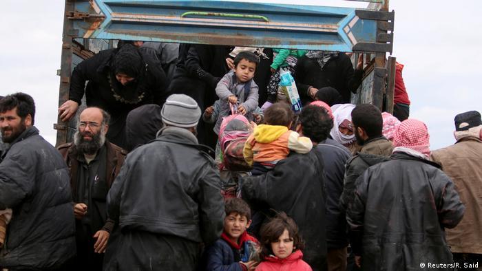 Syrien Flüchtlinge aus Rakka bei Ain Issa
