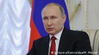 Russland Präsident Putin in Sankt Petersburg (picture-alliance/dpa/M. Metzel)