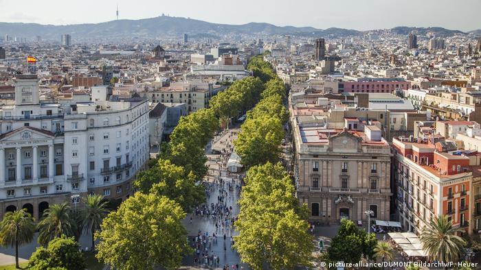 Spanien Barcelona Flaniermeile Las Ramblas (picture-alliance/DUMONT Bildarchiv/F. Heuer)