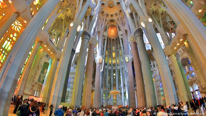 Sagrada Familia in Barcelona (picture-alliance/dpa/R. Goldmann)