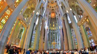 Spanien Barcelona Sagrada Familia (picture-alliance/dpa/R. Goldmann)
