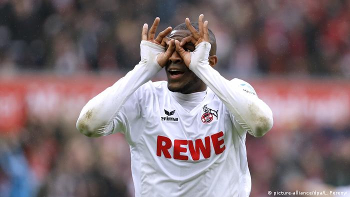 Cologne's attacker Anthony Modeste celebrating after having scored (picture-alliance/dpa/L. Perenyi)