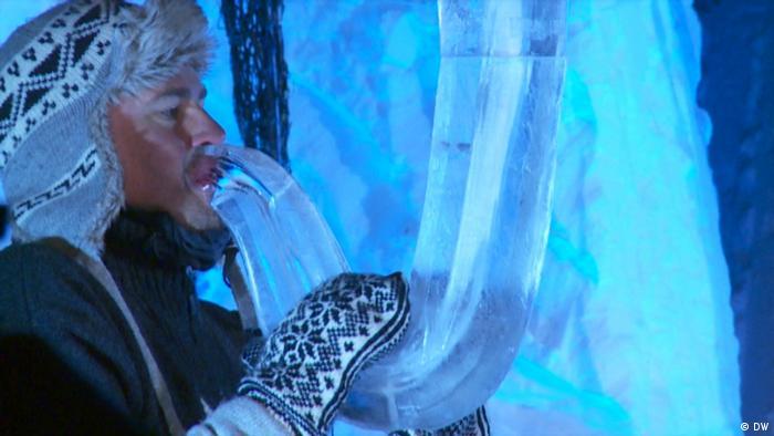 Ice saxophone (DW)