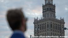 WARSAW, 05 July 2016 - On Friday the Polish capital will be host to the 2016 NATO summit. Over 4000 thousand hotel rooms in the city have been booked to accomodate journalists, guests and staff. Security measures are already visible days ahead of the summit where world leaders will convene including US president Barack Obama who is said to be staying at the Marriott hotel. (Photo by Jaap Arriens/NurPhoto)   Keine Weitergabe an Wiederverkäufer.
