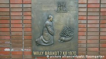 Gesto de contrição do então chefe de governo alemão, Willy Brandt, em 1970, é considerado forte símbolo da reconciliação teuto-polonesa