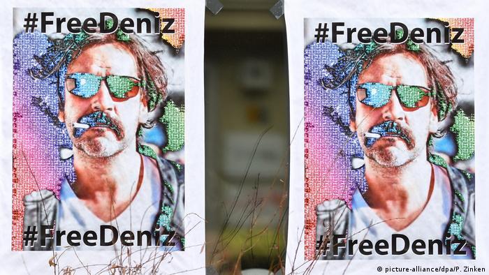 Deutschland #FreeDeniz-Plakate in Berlin
