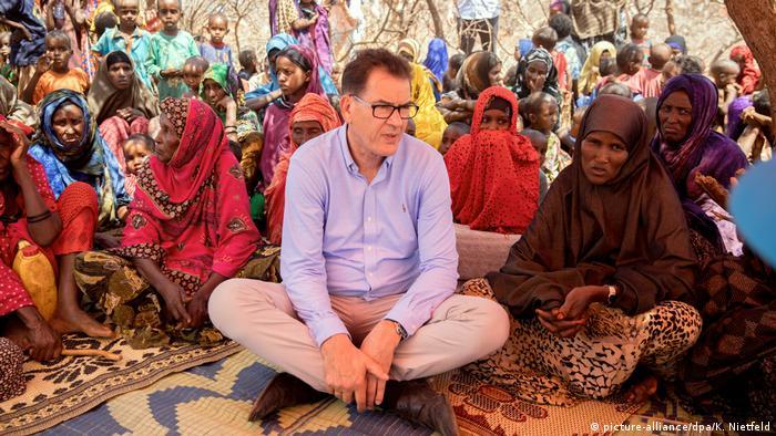 Äthiopien Bundesentwicklungsminister Gerd Müller in der Somali-Region