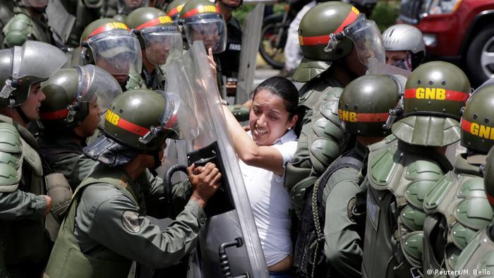 Protesto contra Maduro em Caracas
