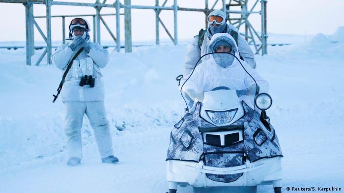 Российские военнослужащие на острове Земля Александры