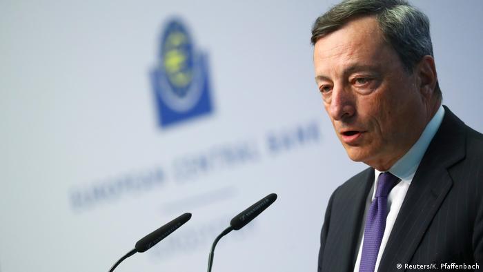 Deutschland Neuer 50-Euro-Schein soll sicherer gegen Fälschungen sein | Mario Draghi (Reuters/K. Pfaffenbach)