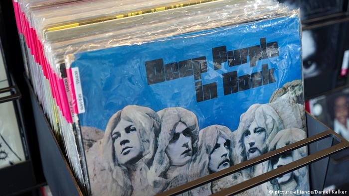LP Deep Purple in Rock in Plattenregal (picture-alliance/Daniel Kalker)
