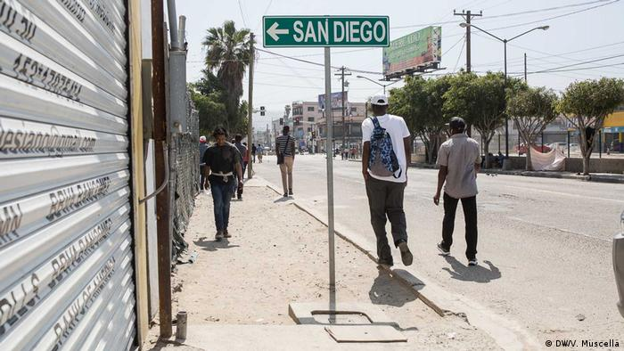 Haitian 'climate refugees' hit dead end at US border  Thousands of Haitians who fled Hurricane Matthew are being forced to make way for deportees expected from Trump's USA. The Mexican border town of Tijuana is struggling with a humanitarian crisis, reports Clément Detry.