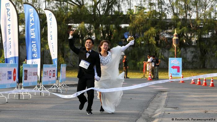 Thailand Running of the Brides in Bangkok (Reuters/A. Perawongmetha)