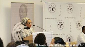 USA   Buchvorstellung von Port Yohannes Mola im Tayitu Cultural & Educational Center
