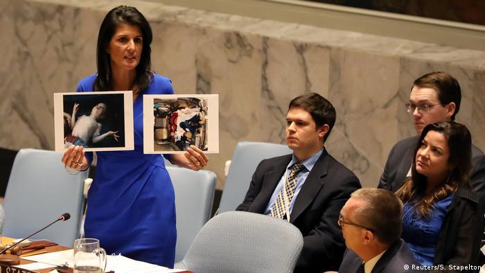 Embaixadora Nikki Haley exibiu na ONU fotos de vitimas do gás tóxico