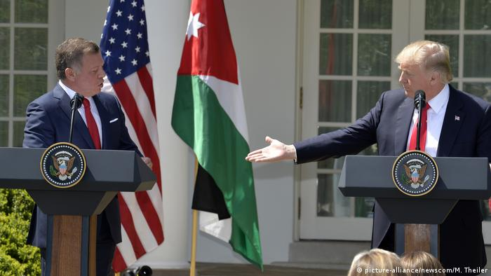 USA Washington Donald Trump und König Abdullah (picture-alliance/newscom/M. Theiler)