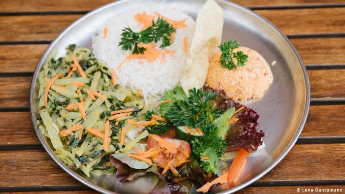 Kohlrabi curry at Suriya Kanthi in Berlin (Photo: Lena Ganssmann)