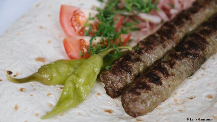 Lule kebab at Dwin in Berlin (Photo: Lena Ganssmann)