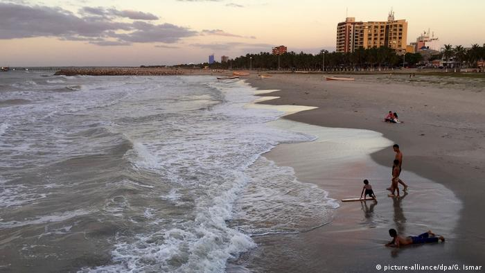 Kolumbiens Tourismusboom Strand in Riohacha (picture-alliance/dpa/G. Ismar)