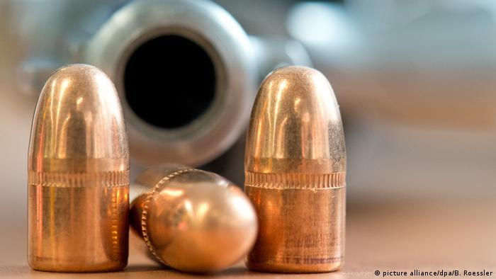 Deutschland PK Zoll zieht Bilanz | Munition (picture alliance/dpa/B. Roessler)