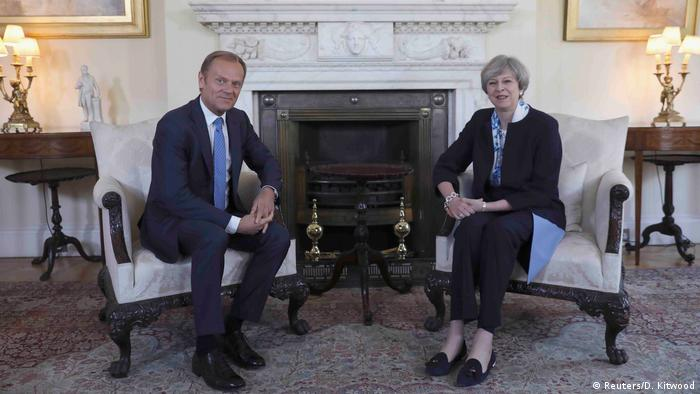 Großbritannien Theresa May & Donald Tusk (Reuters/D. Kitwood)