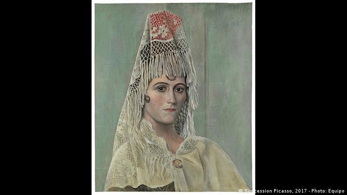 Ольга Хохлова в мантильї, 1917 рік
