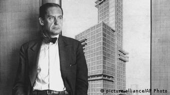Walter Gropius, 1933 (picture-alliance/AP Photo)