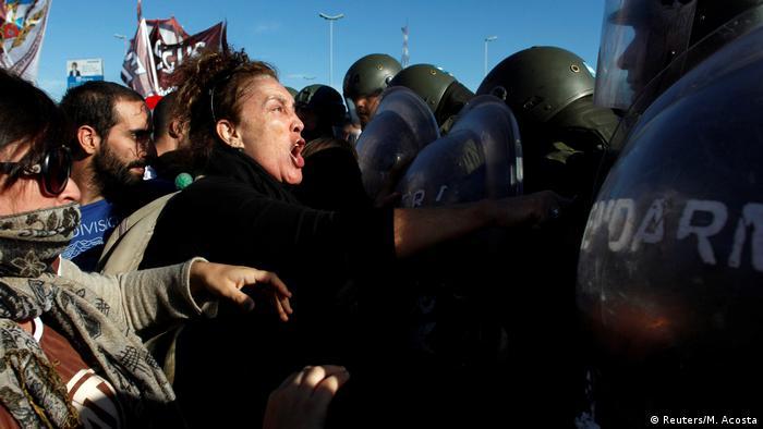 Argentinien Generalstreik | Ausschreitungen in Buenos Aires (Reuters/M. Acosta)