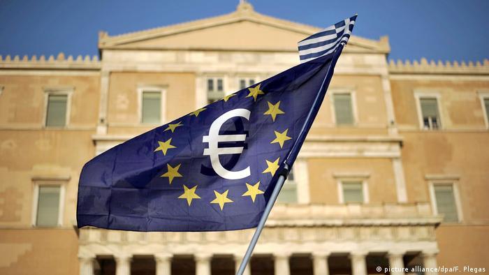 Griechenland Hilfen Parlament Athen Flagge