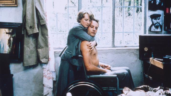 Filmstill - Tagebuch für meine Lieben, 1987 (Rollstul-Szene)