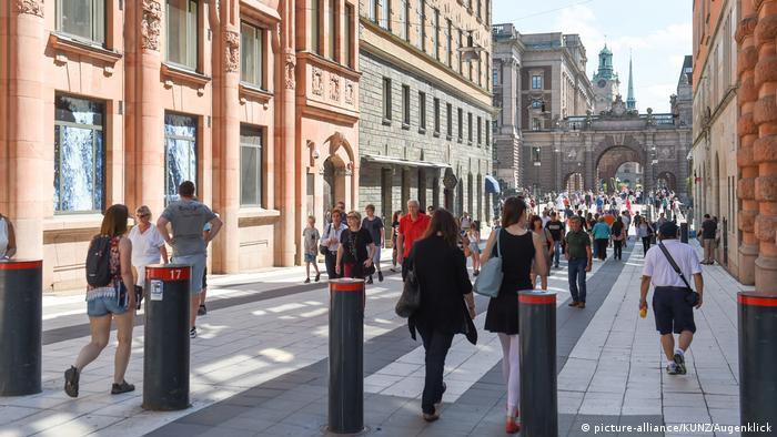 Stockholm Drottninggatan Archivbild (picture-alliance/KUNZ/Augenklick)