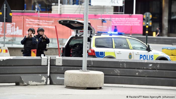 Schweden Stockholm LKW fährt in Menschenmenge (Reuters/TT News Agency/N. Johansson)