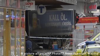 El camión usado en el ataque.