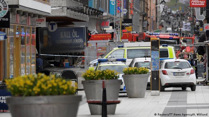 Schweden Stockholm LKW fährt in Menschenmenge (Reuters/TT News Agency/A. Wiklund)