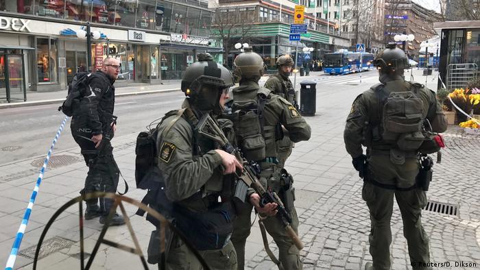 Schweden Stockholm LKW fährt in Menschenmenge (Reuters/D. Dikson)