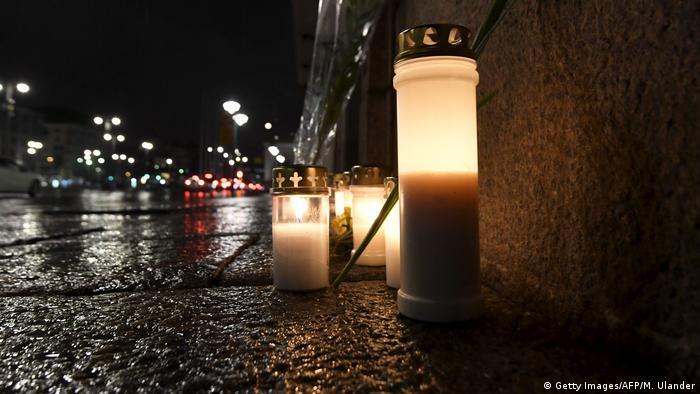 Finnland Trauer nach LKW-Angriff in Schweden, Stockholm (Getty Images/AFP/M. Ulander)