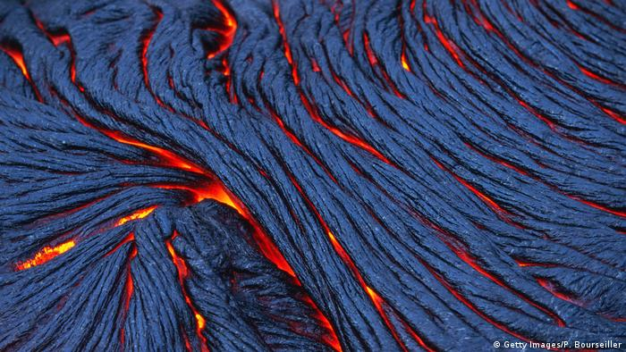 Leuchtende Lavaströme Hawaii Kilauea (Getty Images/P. Bourseiller)