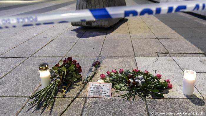 Schweden Stockholm LKW-Anschlag (picture-alliance/AP Photo/M. Suslin)