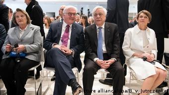 Παυλόπουλος και Στάινμαϊερ στα εγκαίνια της Documenta στην Αθήνα