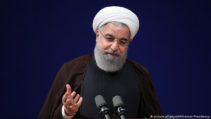 Iran Präsident Rohani zu U.S. Luftschlägen gegen syrischen Luftwaffenstützpunkt (picture-alliance/AA/Iranian Presidency)