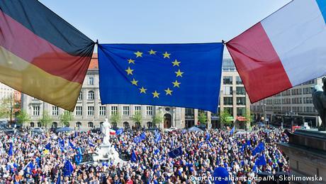 Γερμανία-Γαλλία: Δύο πόλοι στην ευρωζώνη