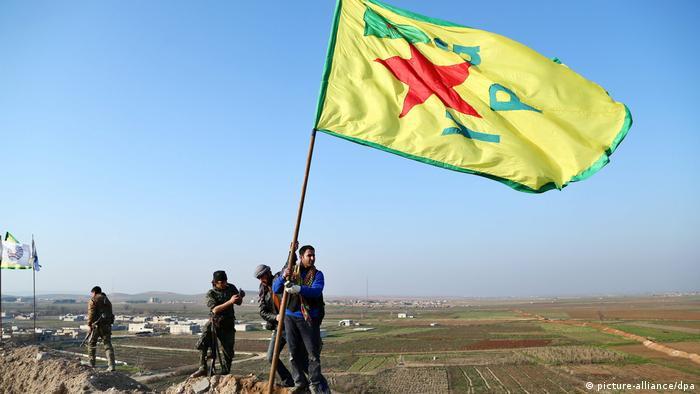 PYD ve silahlı kanadı YPG Türkiye tarafından terör örgütü olarak kabul ediliyor.
