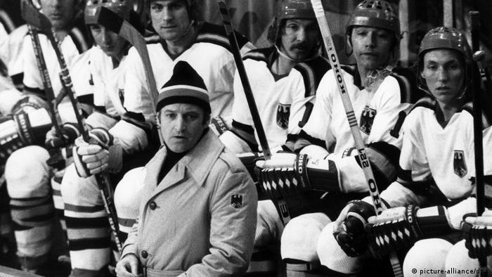 Xaver Unsinn und deutsche Eishockey-Mannschaft Olympia 1976 (picture-alliance/dpa)