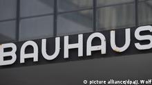 Bauhaus - Schriftzug in Dessau