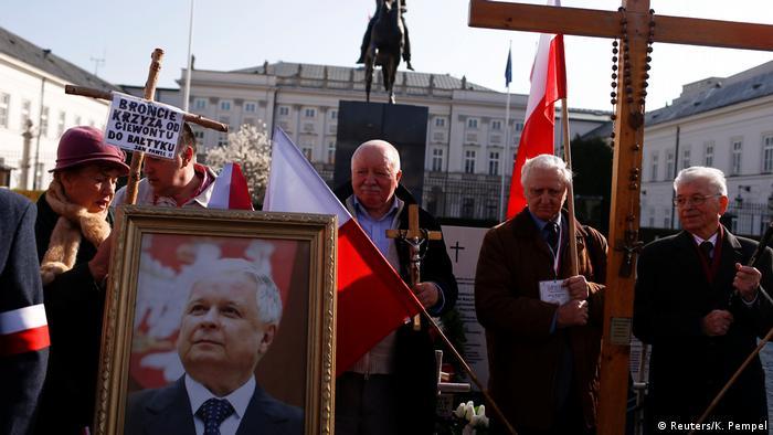 Annual memorial for Smolensk (Reuters/K. Pempel)