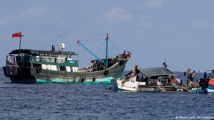 China Philippinen Konflikt um Fischergebiete im Südchinesischen Meer (Reutersa/E. De Castro )